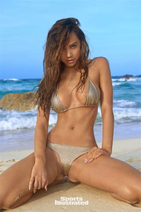 See Alexis Ren's Steamy Sports Illustrated Shoot & Video