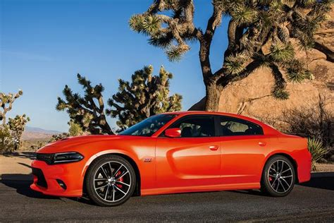 2017 Dodge Charger: New Car Review - Autotrader