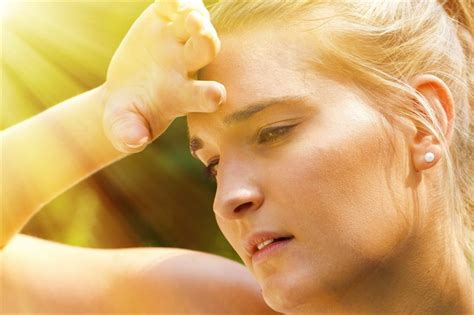 Signs, symptoms, phases and treatment of hyperthermia